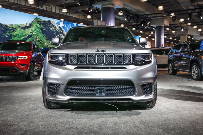 2019 jeep srt8 hellcat release date for sale jeep cherokee. Black Bedroom Furniture Sets. Home Design Ideas