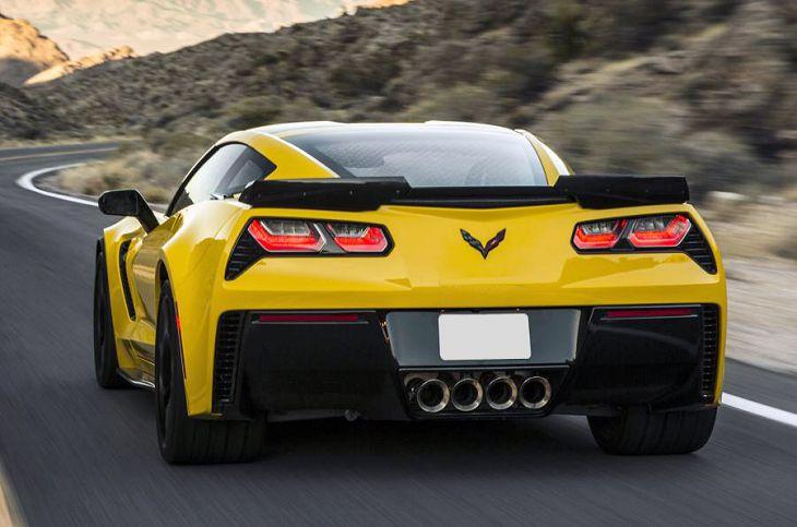 2019 chevrolet corvette z06 vs porsche 911 turbo vs zr1. Black Bedroom Furniture Sets. Home Design Ideas
