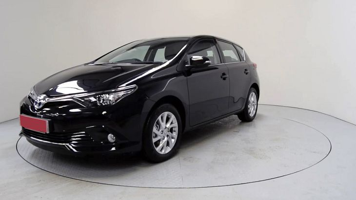 2019 toyota auris touring sport hybrid tr sports review. Black Bedroom Furniture Sets. Home Design Ideas