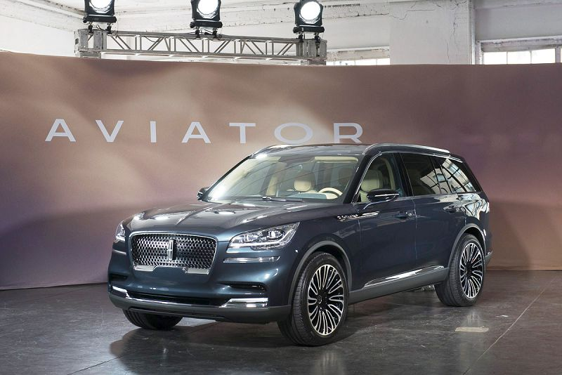 2019 Lincoln Aviator Inside Intake Manifold 2020
