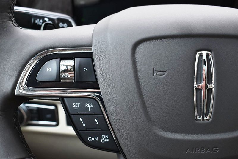 2019 Lincoln Navigator Truck Trunk Tan Towing Capacity