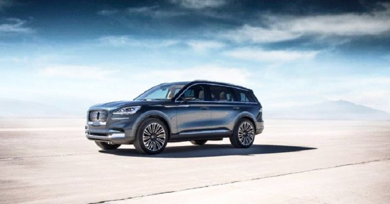 2020 Lincoln Aviator Range Rover Video Nautilus V8