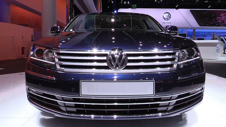 2019 Volkswagen Phaeton Road Test Review Photos
