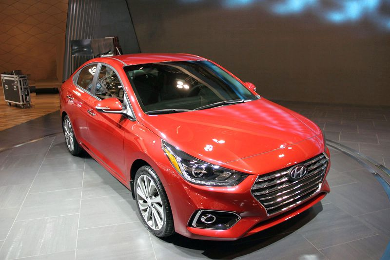 2019 hyundai accent vs elantra interior 2013 hatchback