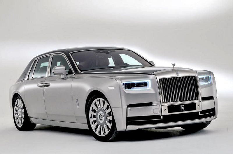 2019 Rolls Royce Ghost Vs Phantom Wraith Vs Engine