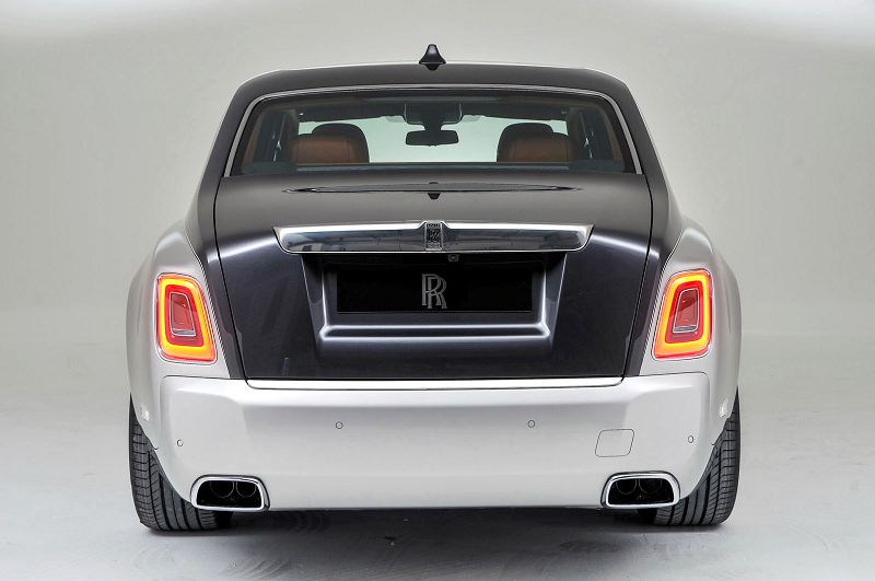 2019 Rolls Royce Phantom Weight White Drophead
