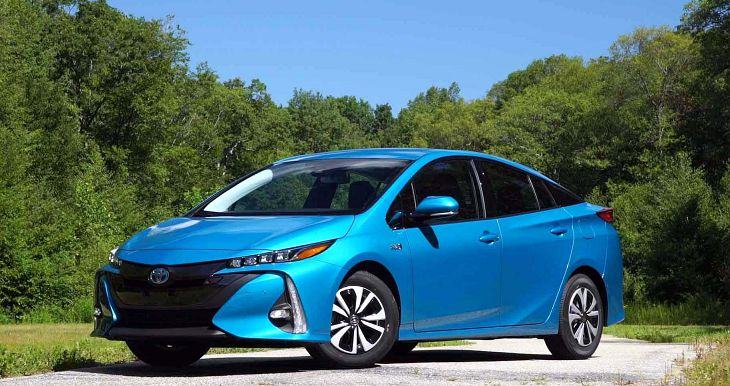 2019 toyota prius v review prime release date. Black Bedroom Furniture Sets. Home Design Ideas