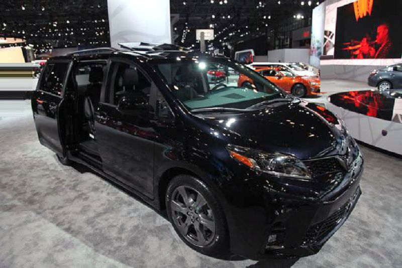 2019 Toyota Sienna Xle Features Availability