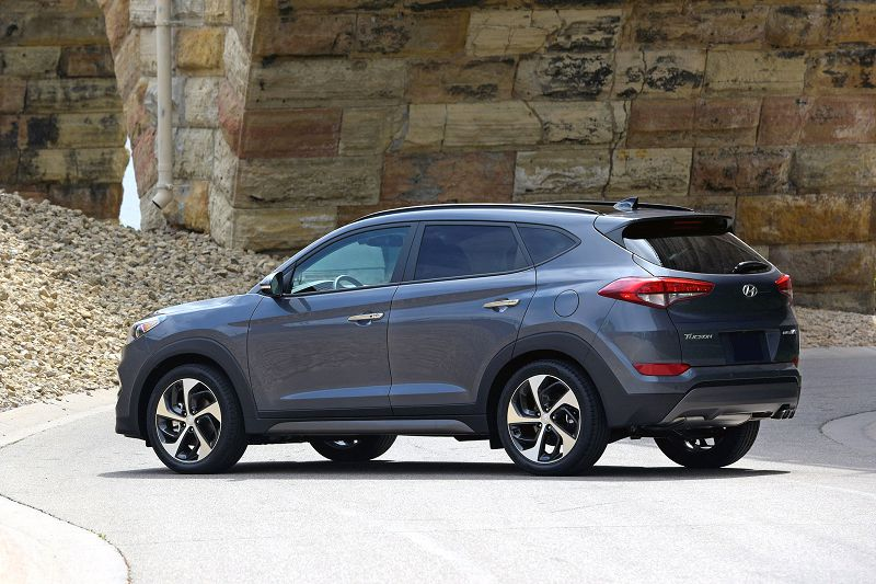 2019 Hyundai Tucson Price Vs Santa Fe For Sale