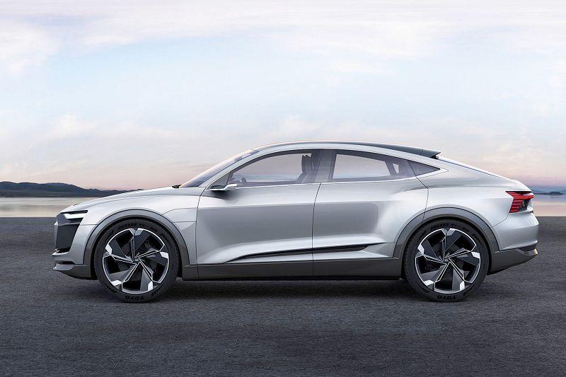 Audi Quattro Concept 2012 3.2 Q5 Sport