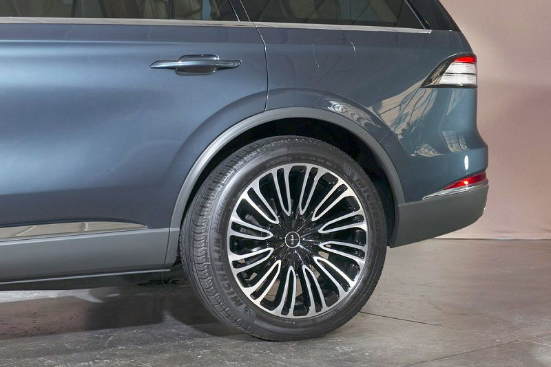 2019 Lincoln Aviator Known Issues Key Lifted