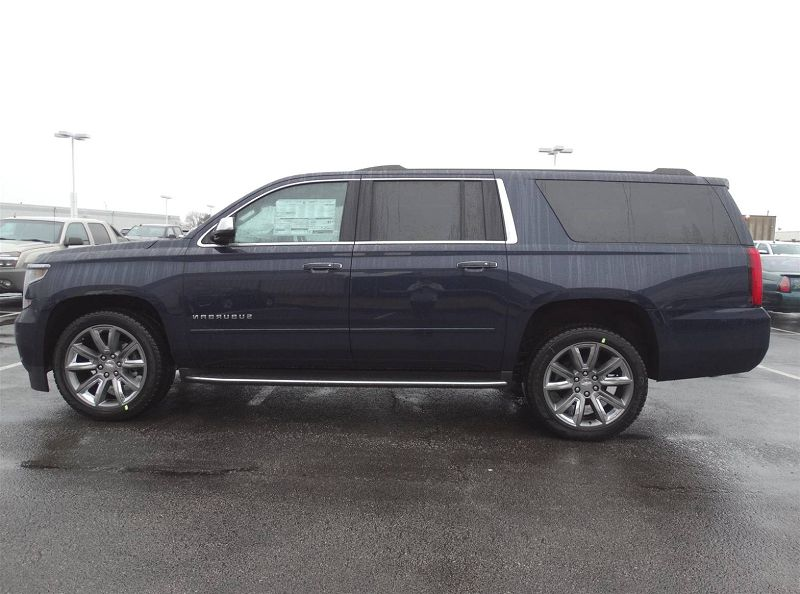 2020 Chevrolet Suburban Spy Photos - spirotours.com