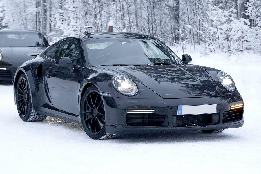 2020 Porsche 992 Length