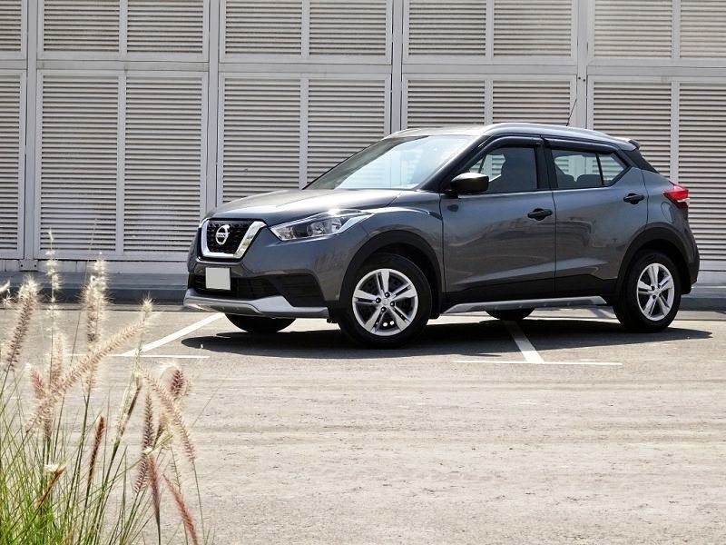 Nissan Kicks 2019 Review Mpg Dimensions Images Acceleration