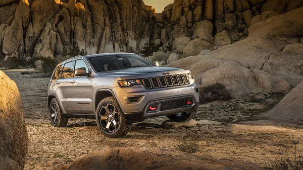 2020 Jeep Grand Cherokee High Altitude Pictures
