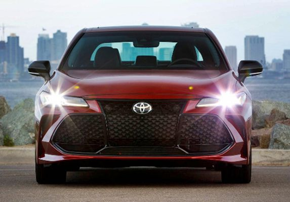2021 toyota avalon limited hybrid limited review trd test