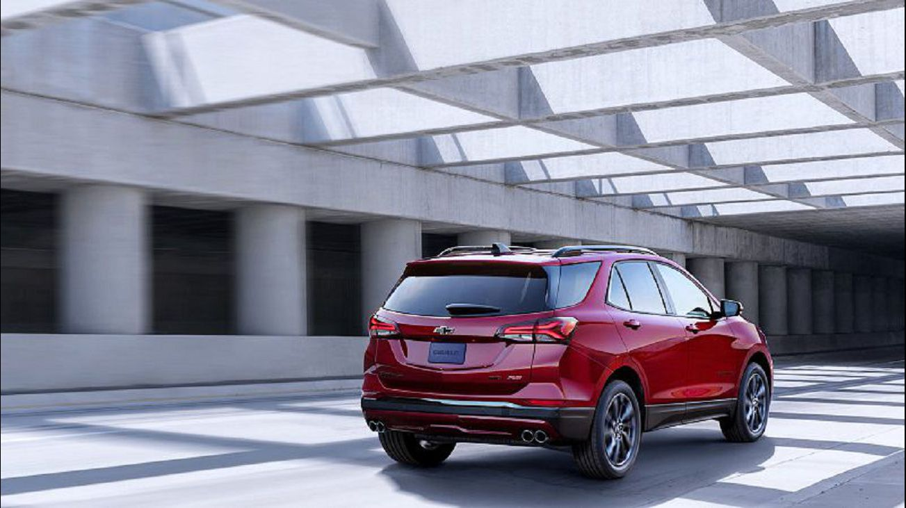 2021 Chevy Equinox Changes Photos Images Awd Engines Engine