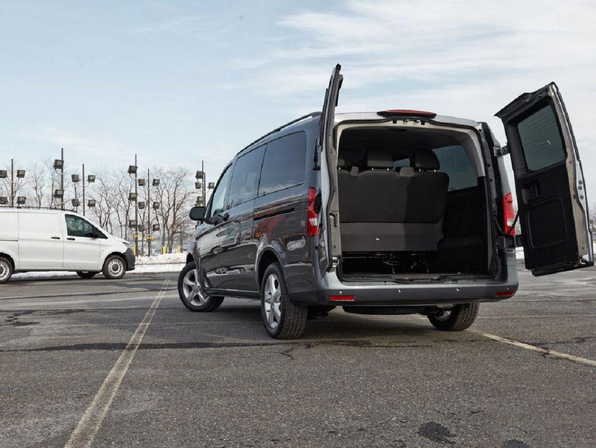 2022 Mercedes Metris Specs Floor Mats Partition