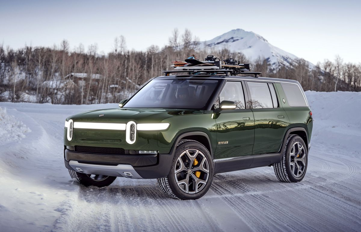 2022 Rivian R1s Off Road Test Drive Tank