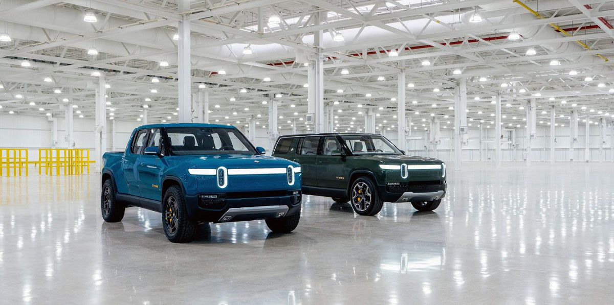 2022 Rivian R1s Row Inside Review Price