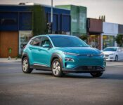 2022 Hyundai Kona Reviews Ev Sunshade Roof