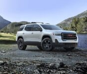 2022 Gmc Acadia Dimensions At4 Reviews Leg Room