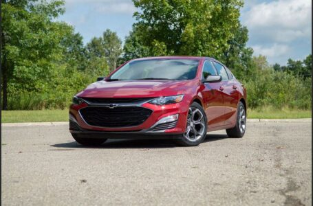 2022 Chevrolet Malibu Colors Interior Specifications