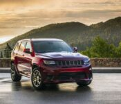 2022 Jeep Grand Cherokee Interior Summit Trailhawk Limited X