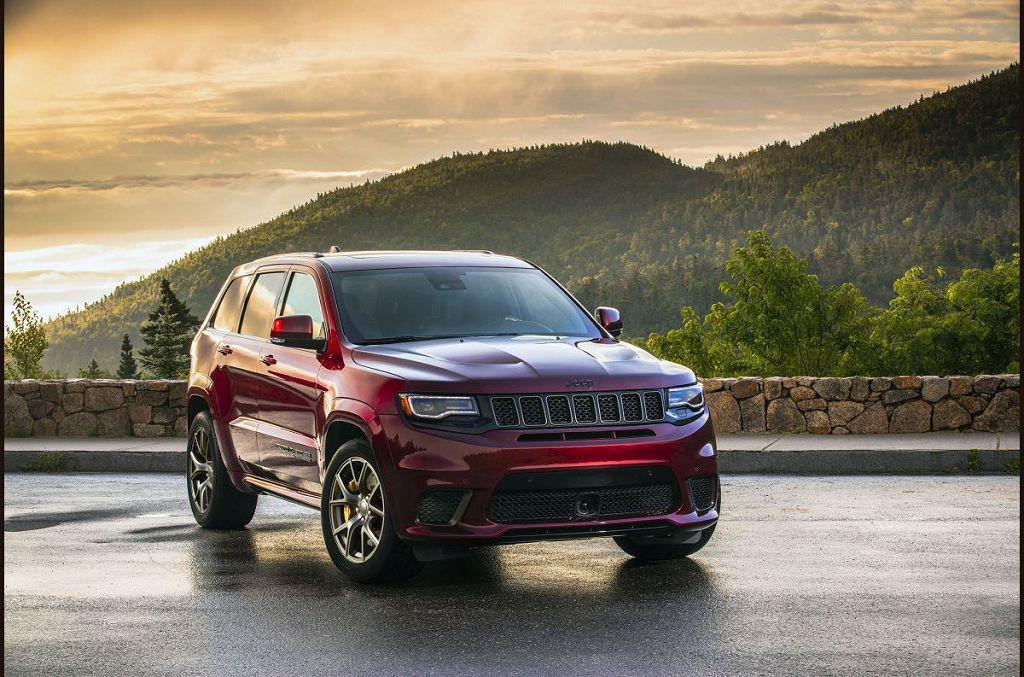 2022 Jeep Grand Cherokee Interior Summit Trailhawk Limited X
