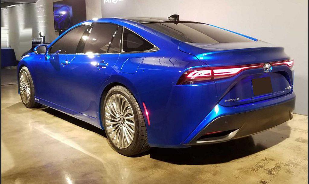 2022 Toyota Mirai Price Interior Reviews